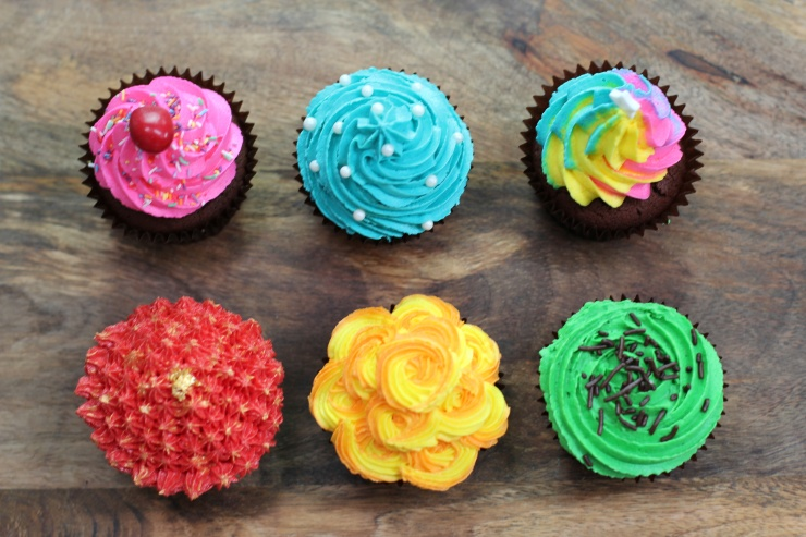 6-buttercream-frosting-styles-using-a-star-piping-tip.jpg