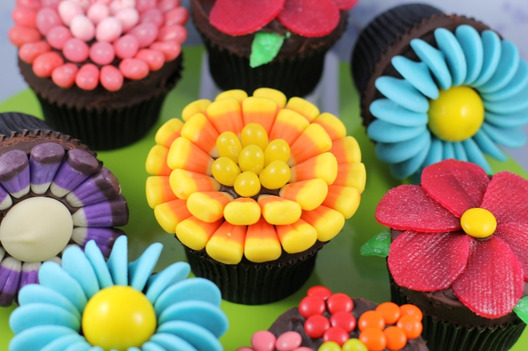 candy-flower-cupcakes