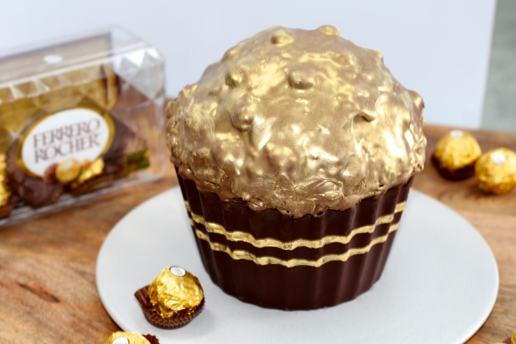 giant-ferrero-rocher-cake