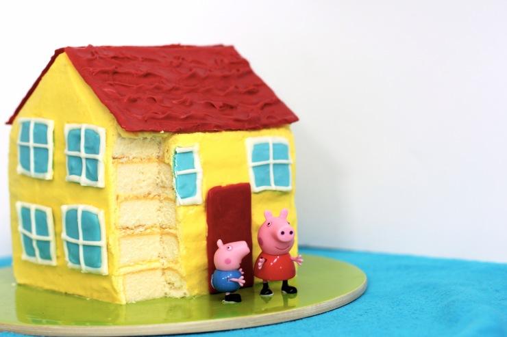 peppa-pig-cake-house
