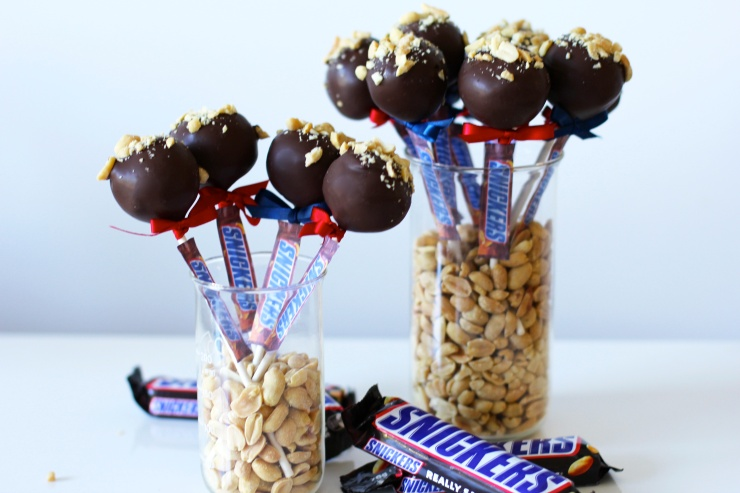 snickers-cake-pops