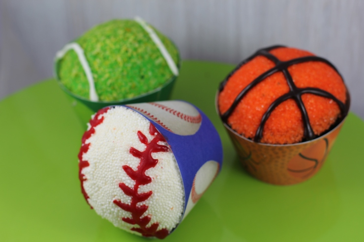 sports-ball-cupcakes
