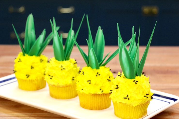 summer-pineapple-cupcakes