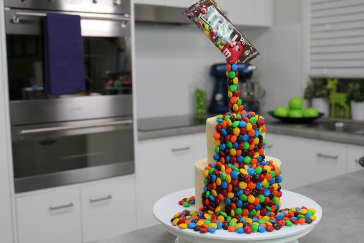 Cake Tins B M